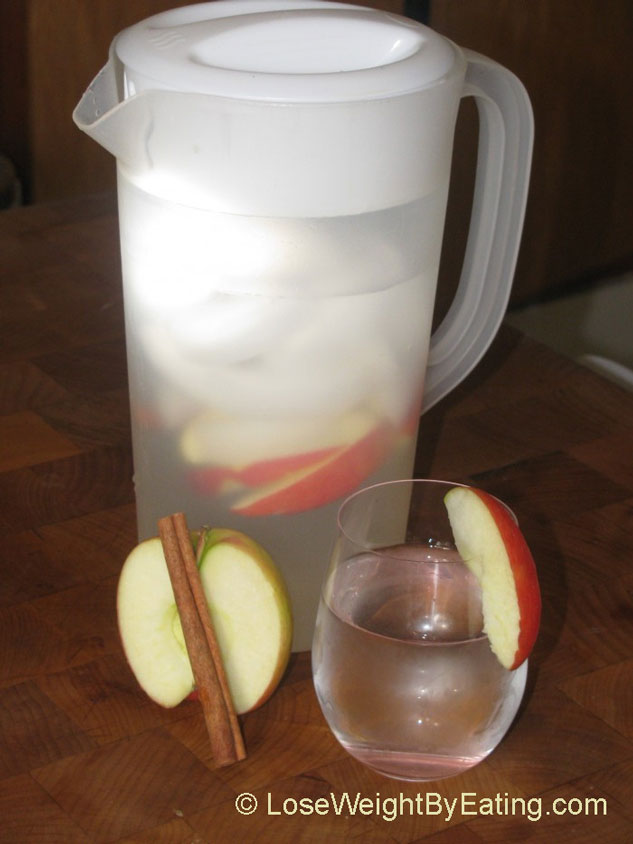 cinnamon-apple-detox-water